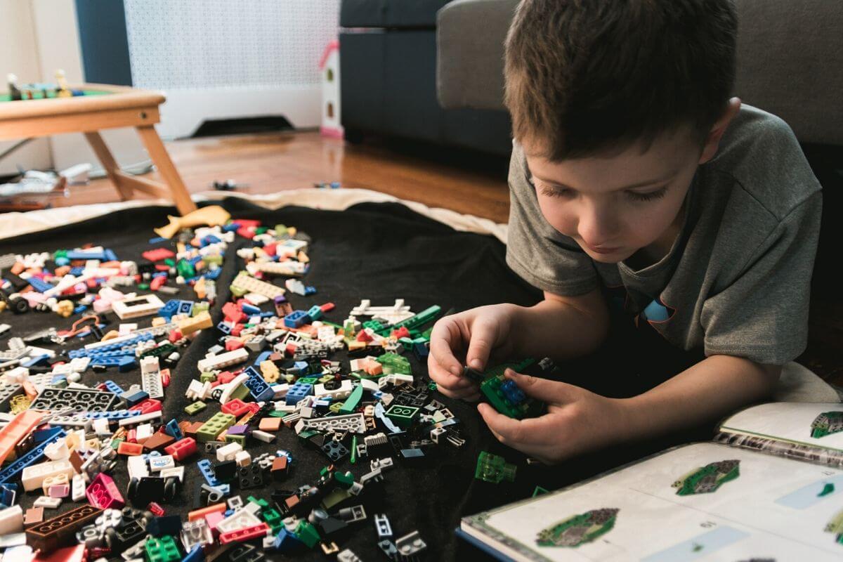 Co zrobić, kiedy nie chcemy zajmować dziecka elektroniką, a potrzebujemy mieć czas tylko dla siebie? Czym zająć? Co zaproponować?