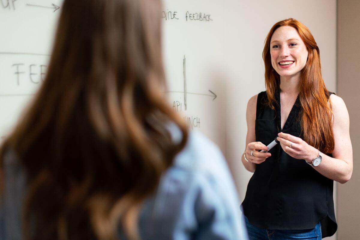 Kilka słów o tym w jaki sposób wspierać i rozwijać krytyczne myślenie w świecie nowych technologii. Co mogą zrobić nauczyciele?