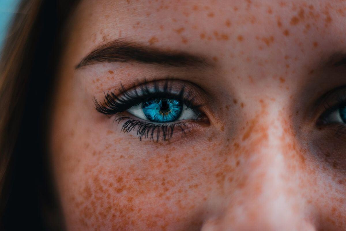 Technologia bezsprzecznie wpływa na nasze ciała w różny sposób. Tu parę słów o tym w jaki sposób oddziałowuje na oczy.